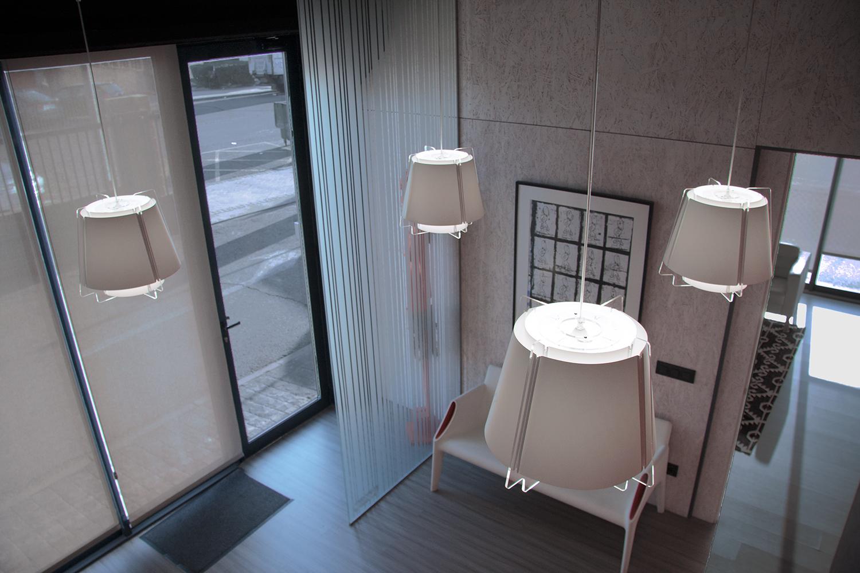 Lámparas ZONA 43 en blanco, iluminación vestíbulo, oficinas empresa constructora, Villaviciosa, Madrid.